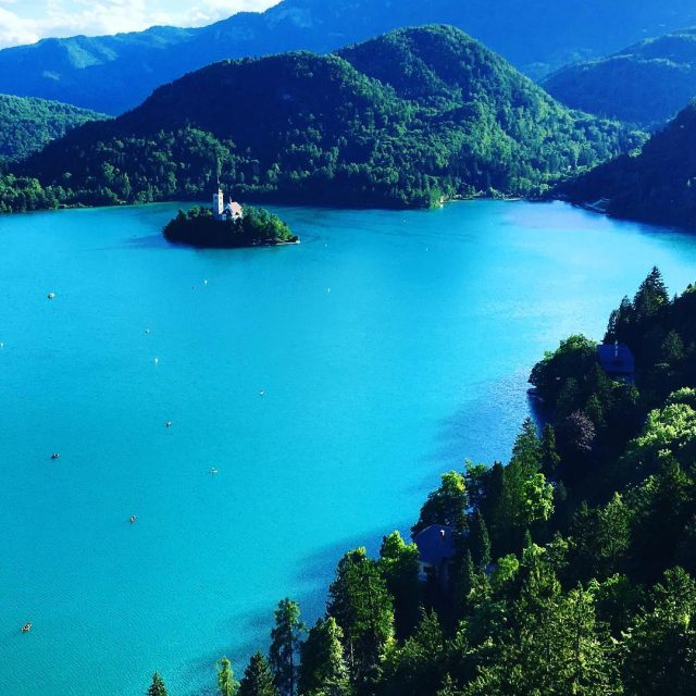 Lake Bled is so beautiful! I couldnt believe the turquoisehellip